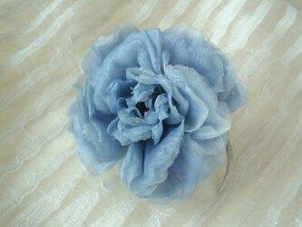 スイス製コットンの薔薇ばら ブルーグレー * コサージュの画像