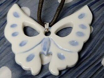 チョーカー 蝶々の画像