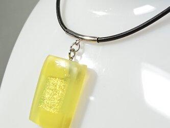 夏ッ! ベネチアガラスフュージングチョーカーペンダント「金色の虹」の画像