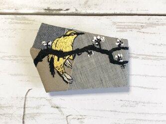 手刺繍浮世絵ブローチ*小原古邨「梅に高麗鶯」の画像