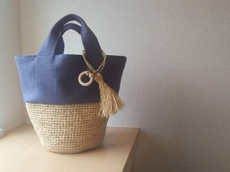 『夏の福袋2019』マダガスカル産ラフィアとリネンの丸底巾着バケツバッグ  (navy blue)の画像