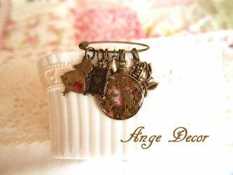 ◆◇アリスシリーズ・懐中時計風アリスのキーホルダー◇◆の画像
