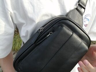 65b23112c785 新しい牛革 チェストバッグ 斜めがけバッグ レジャーバッグ/ウエストパック 流れ
