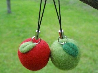 りんごのストラップ (1個の価格です)の画像