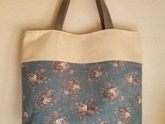 ツートンカラーのトートバッグ 花柄×ベージュの画像