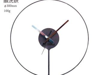 Hang 掛け時計 (酸洗鉄) - GRAVIRoNの画像