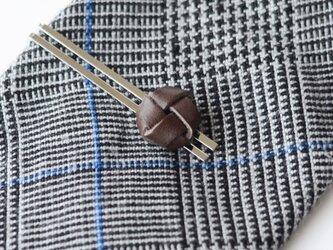 本革〈焦茶〉玉結び ネクタイピン(ギフトラッピング無料)の画像
