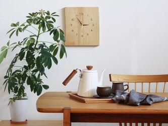無垢の木の掛け時計 クリの画像