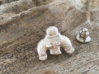 岩偶 土偶 シルバーピンバッジ/タイタックの画像