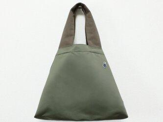 小さい仲間のナイロンさんかくバッグⅡ/モスグレーの画像
