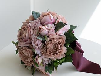 【ブートニア付き】大人のアンティークローズのラウンドブーケ (造花)前撮り 海外ロケフォト サプライズ の画像