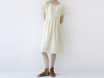 ★夏新作★【L】刺繍入り裏地付爽やかな大人可愛い半袖ワンピース♪の画像