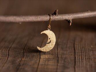 お月さまの真鍮ピアス・イヤリングの画像