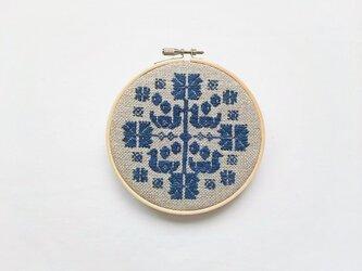 横糸刺繍キット「花時間・bird」(木枠12cm付き・針なし)の画像