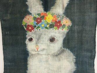 花うさぎタペストリーの画像