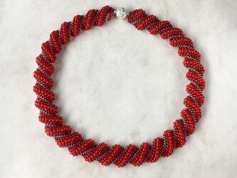 【受注生産】ビーズステッチのネックレス 赤レッド マグネット着脱の画像