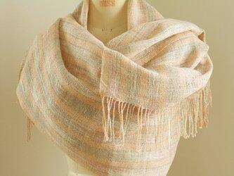 手織り サーモンピンクのリネンショールの画像