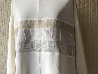 絹に麻を合わせたTブラウスの画像