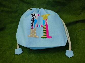 手刺繍巾着(イニシャル H)の画像