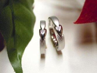 ハンドメイド結婚指輪☆ハートを縦に使ったお洒落なデザインの画像