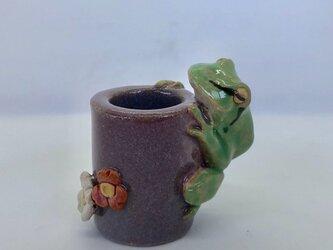 陶のスタンド「あまがえる」の画像