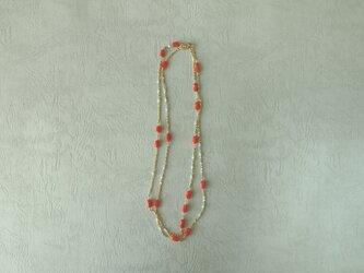 珊瑚と真珠のネックレスの画像