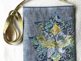 お花のポシェット ブルーきいろの画像