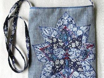 お花のポシェット ブルーの画像