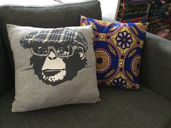 アフリカンプリント&Tシャツ クッションカバー Aの画像