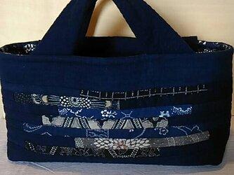 №175 型染と藍無地の横長バッグの画像