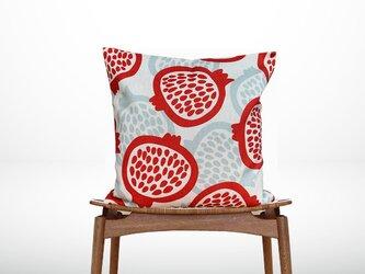 森のクッション Garnet fruit Design -ヒノキの香り-の画像