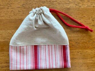 赤ストライプの巾着袋の画像