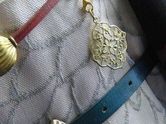 真鍮ブラス製 モダン唐草根付ストラップ 着物や浴衣の帯飾り・かんざし・ネックレスパーツとしての画像