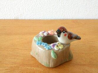 雀とビオラの印鑑スタンド(陶)の画像