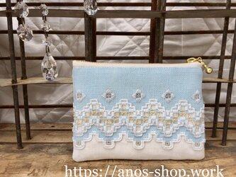 ハーダンガー刺繍のカードケース●ホワイトxアクアブルーの画像