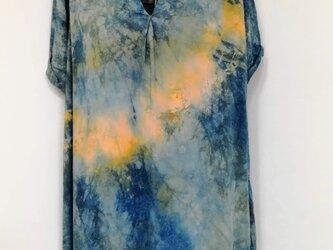 藍染 イエローの絞り入り藍染めチュニックの画像