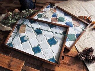 北欧スタイル winter-color  ランタン型モザイクタイルのランチトレーの画像