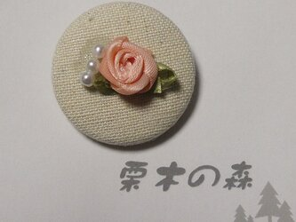 薔薇 缶ブローチの画像