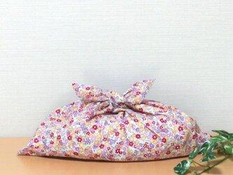 あずま袋  大サイズ ポップな可愛い赤小花 ピンク色 かごバッグ ファスナー無しのバッグインにもの画像