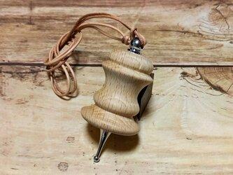 樫の木の手作りネックレスの画像
