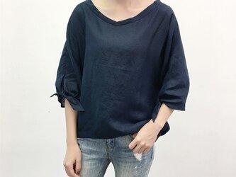 en-enフランスリネン・抜襟・袖リボン・濃い紺の画像