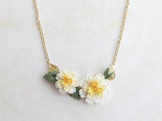 白花たんぽぽのネックレス *つまみ細工*の画像