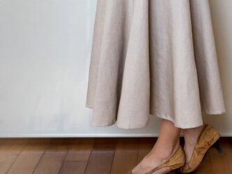 ★受注制作★ドレープが美しいフレアロングスカート【ナチュラルリネン・一枚仕立て・ウエストリボン】の画像