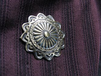 真鍮ブラス製 アンティークボタン風ピンズブローチ 結婚式・成人式などシャツ・ジャケットや帽子・バッグのワンポイントにの画像