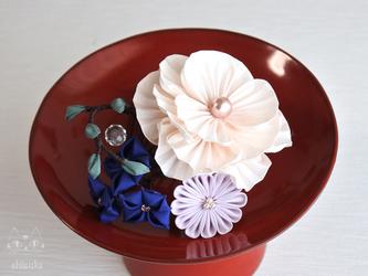 ✤ 小さな箱庭 ✤ つまみ細工 アイボリー ミニコーム 着物 浴衣 お呼ばれ 結婚式の画像