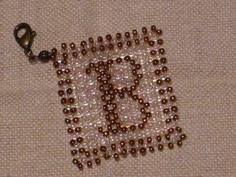 アルファベット ビーズ チャーム Bの画像