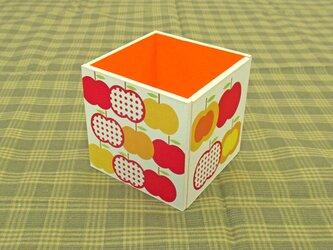りんごのペン立て(水玉・赤)の画像