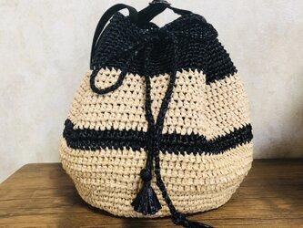 丸底巾着のショルダーバッグの画像