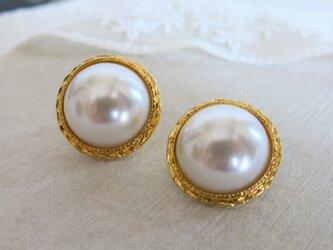 ピアス☆19mm 真珠のような美しさ アンティークボタンピアス パールピアス ヴィンテージボタンピアスの画像