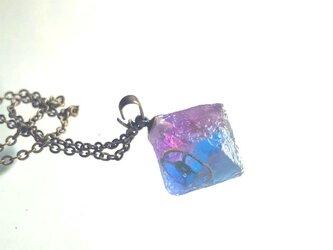 宇宙産蛍石のネックレスの画像